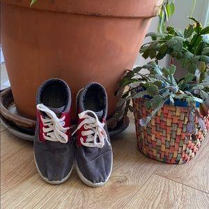 Toms Child shoes sz1